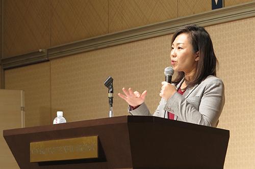 講演で熱く語る稲村市長